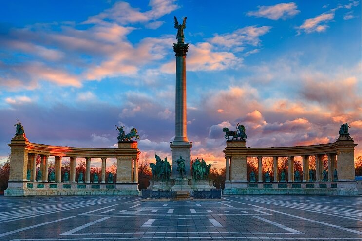 Place des héros á Budapest